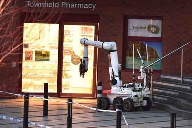 A bomb disposal robot was deployed to move the suspicious package (credit: Khalid Khan)